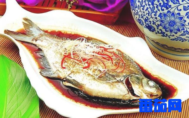 武昌鱼怎么做好吃(武昌鱼清蒸的家常做法)